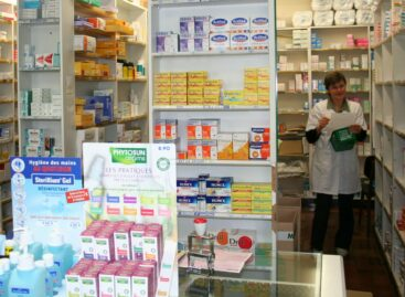 Les officines prises pour cible par les anti-Vax et anti-Passe